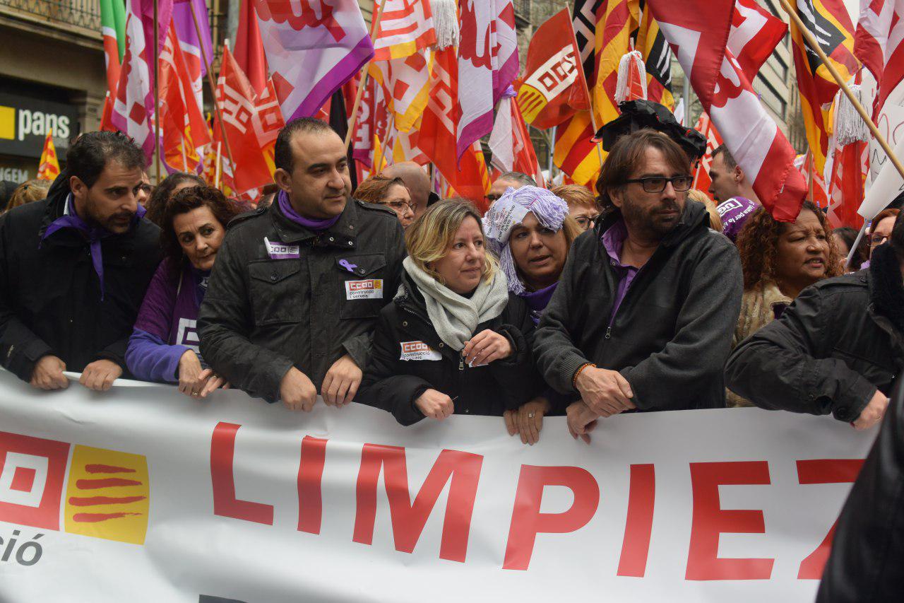 Capçalera inicial de la marxa sindical del 8 M foto: Tomeu Ferrer