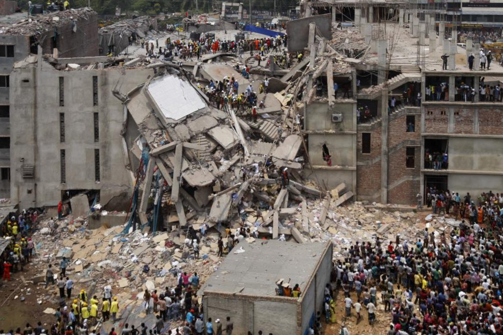 De rijans - Flickr: Dhaka Savar Building Collapse, CC BY-SA 2.0, https://commons.wikimedia.org