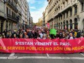 Capçalera de la manifestació contra la llei Aragonès, foto Tomeu Ferrer